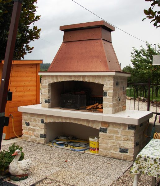 Fabulous forno a legna e barbecue da interno home ar snc for Caminetti fai da te