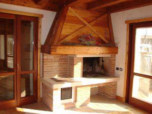 costruzione-caminetto-mattoni-faccia-vista-cucina | Arco Caminetti