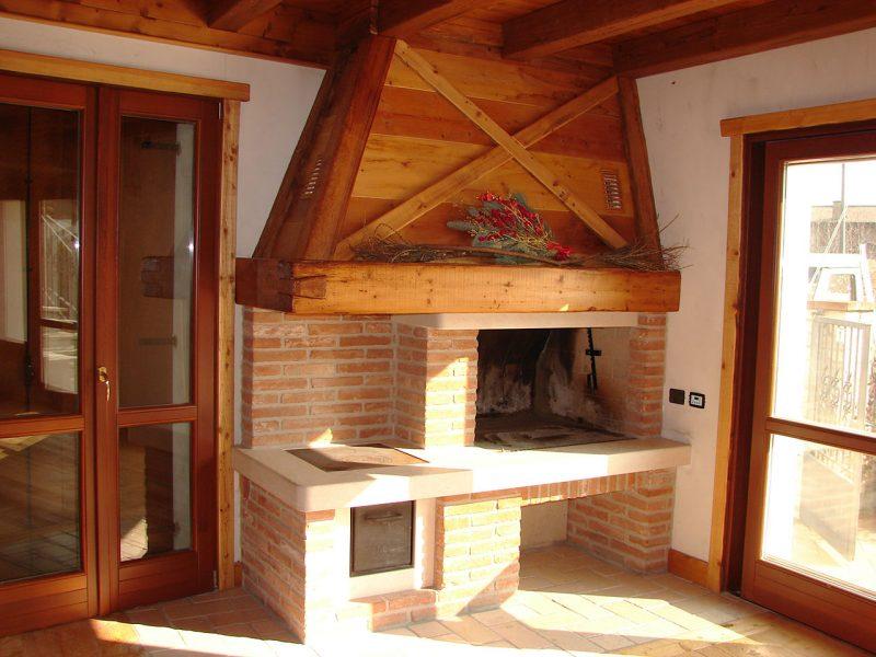 costruzione-caminetto-mattoni-faccia-vista-cucina   Arco Caminetti